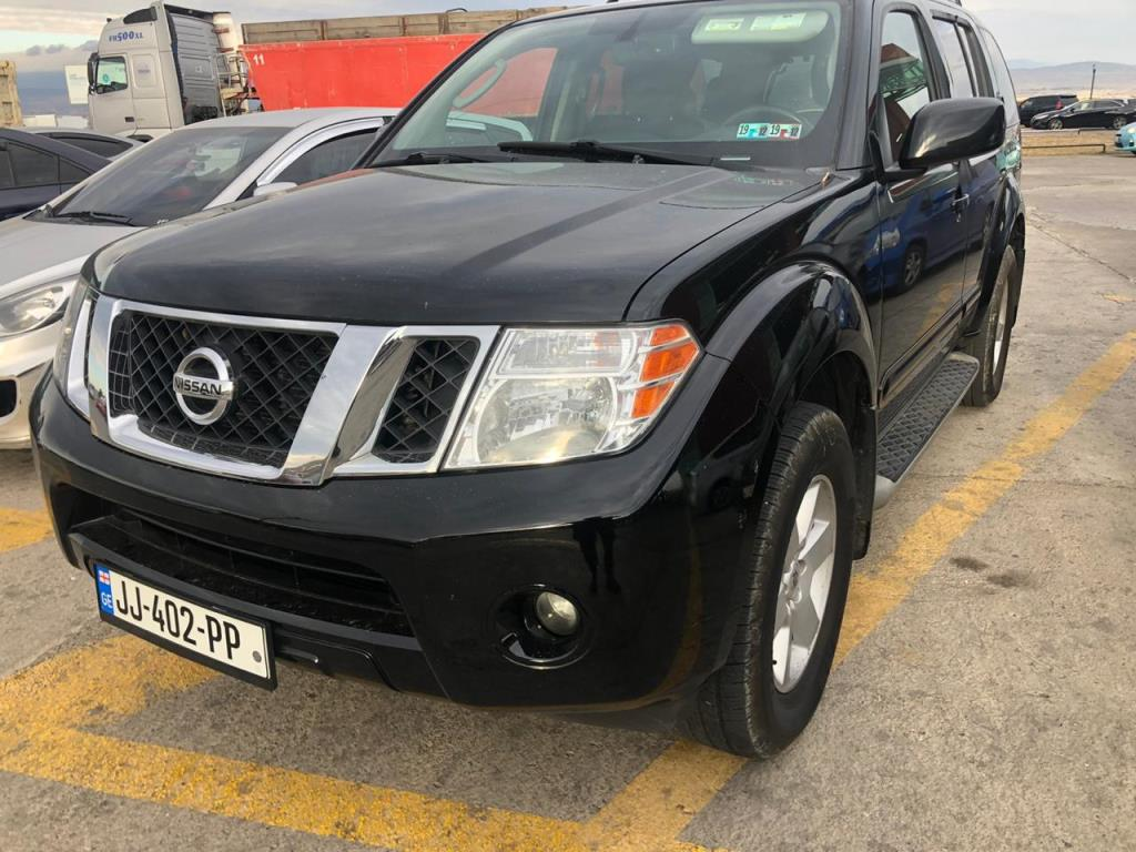 7 seater 4×4 SUV for Rent – Nissan Pathfinder